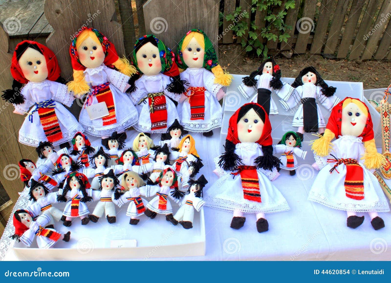 Muñecas hechas a mano rumanas
