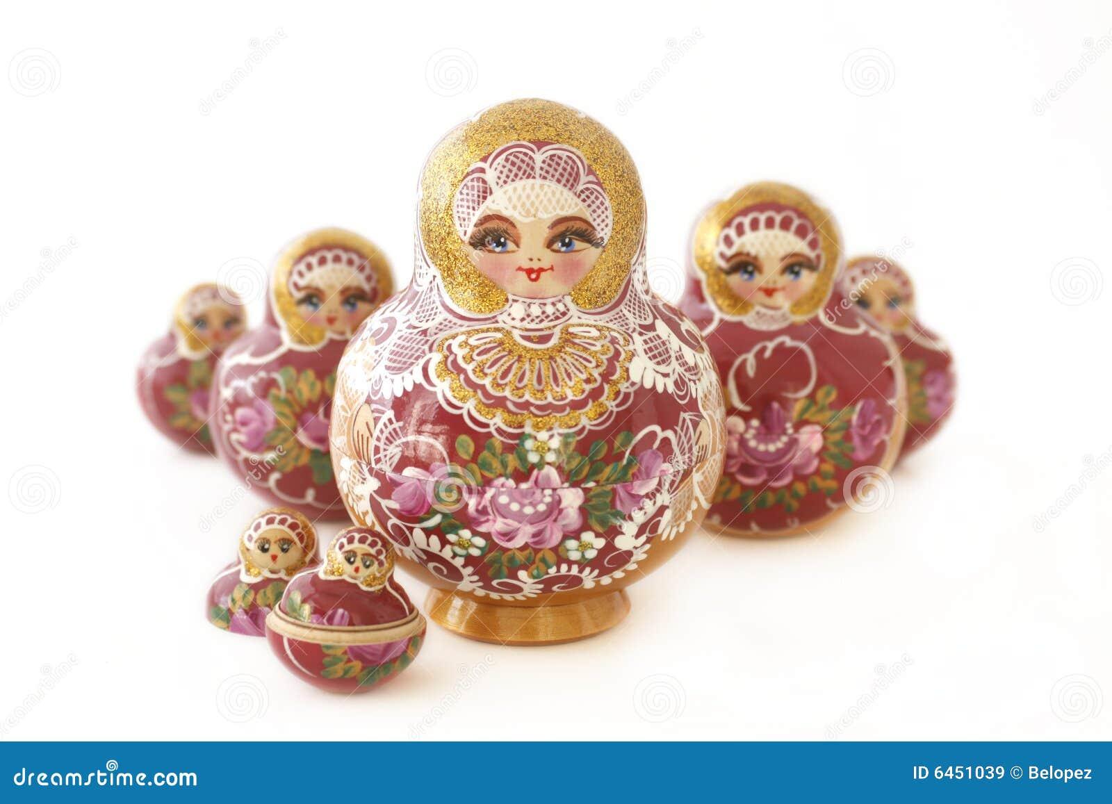Muñecas rusas en una forma de V