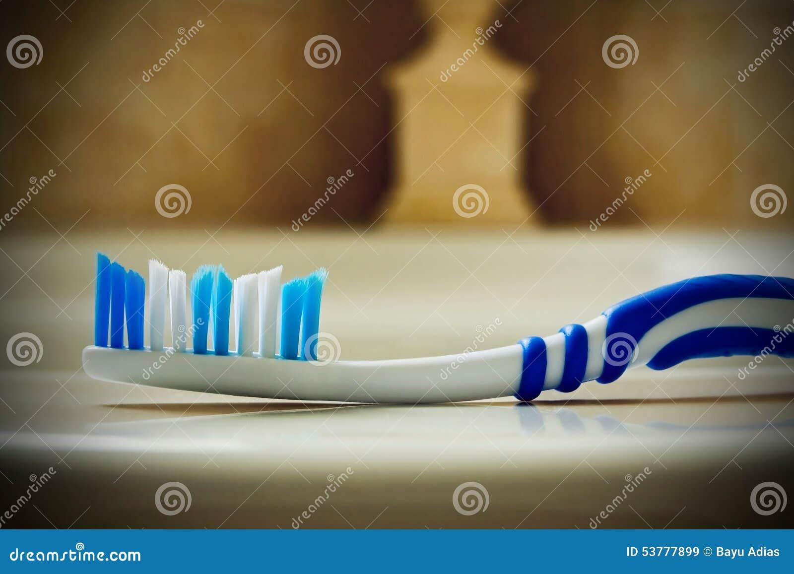 Muśnięcie - ząb
