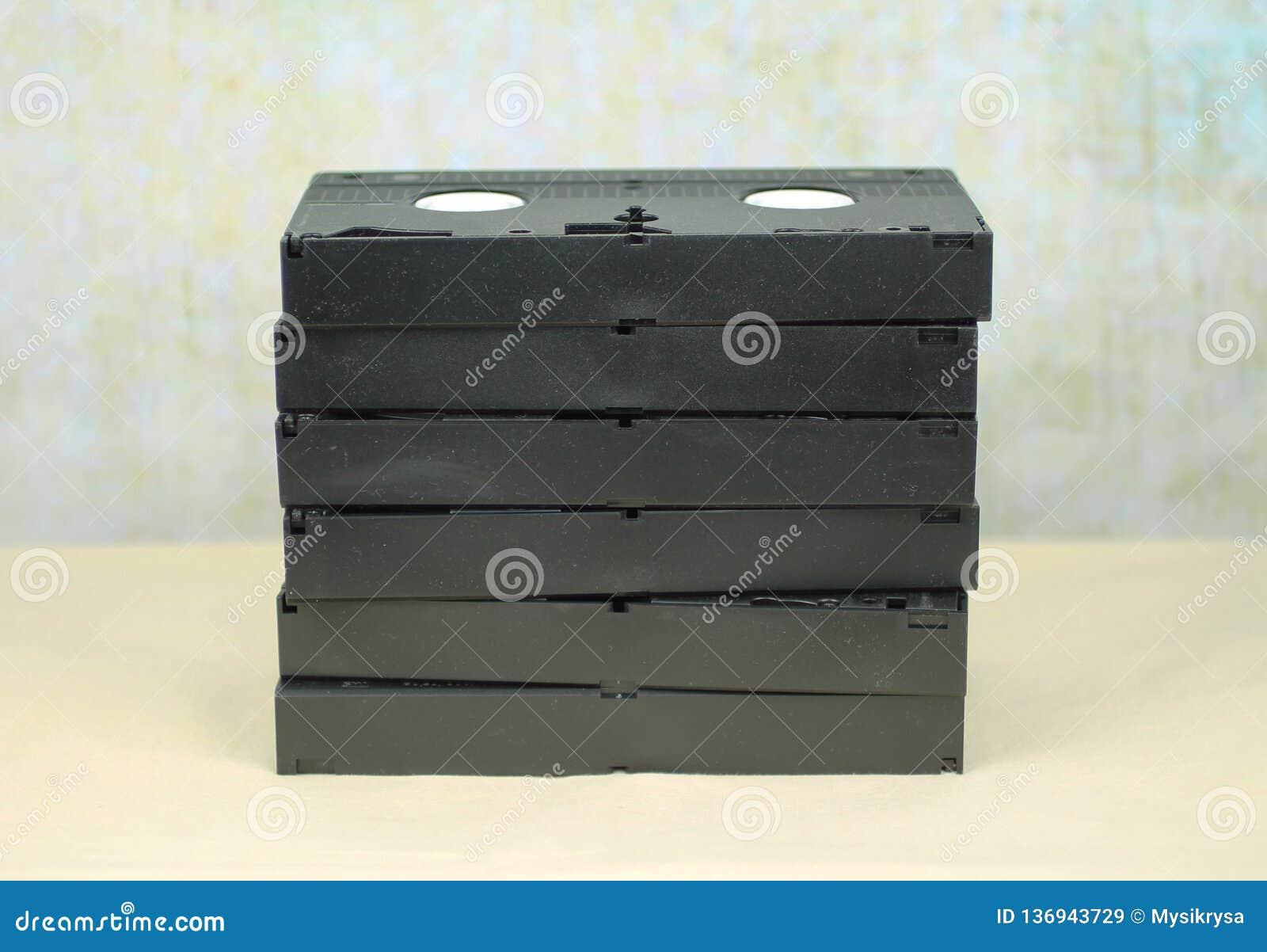 Mucchio dei casettes di VHS