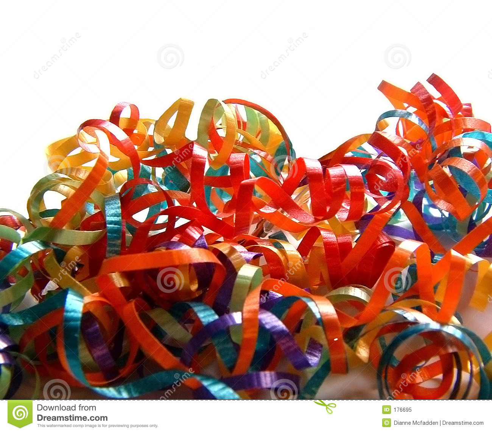 Mucchio dei nastri d arricciatura colorati