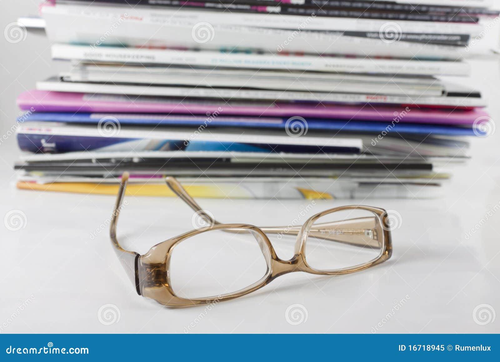 Mucchio dello scomparto e degli occhiali