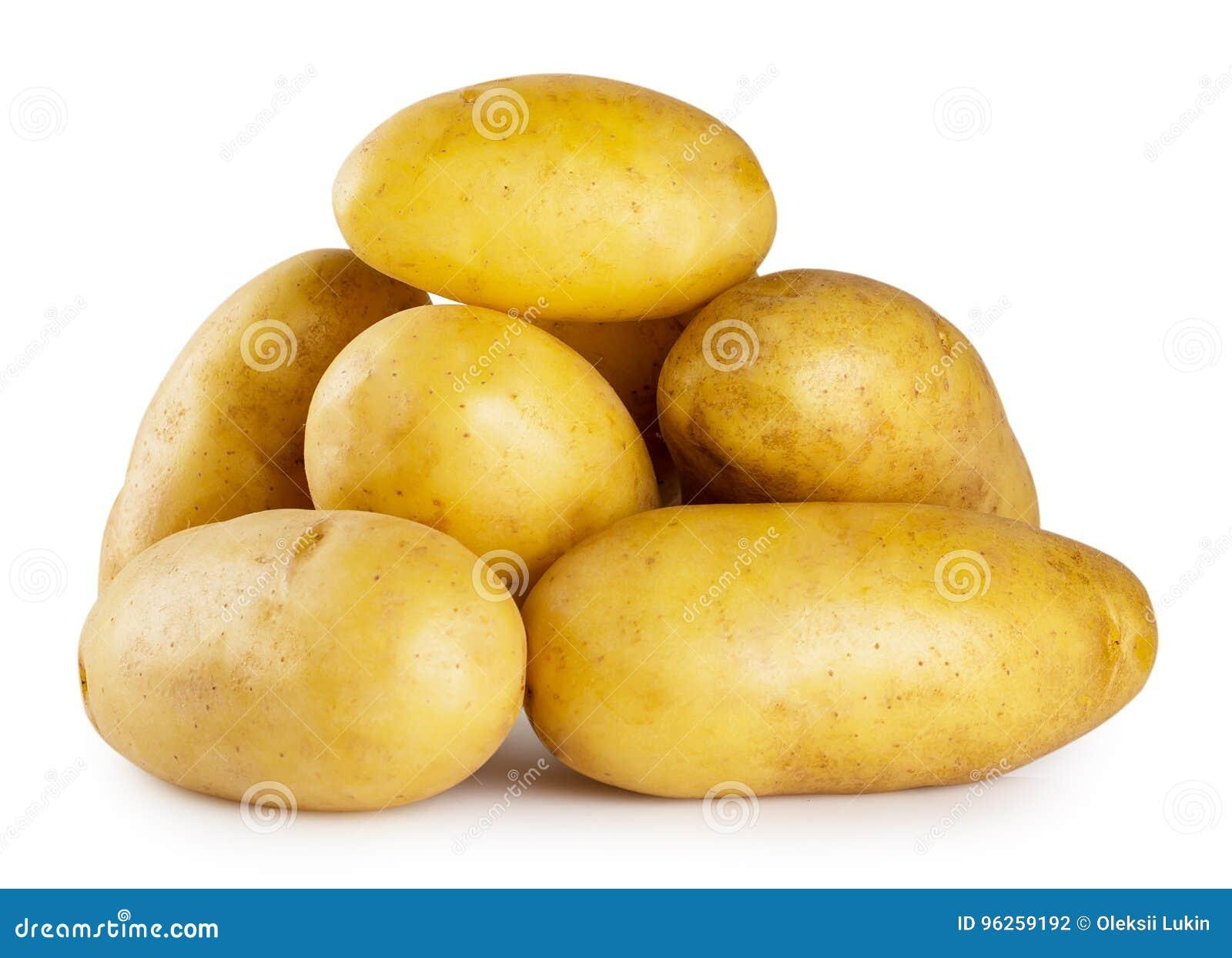 Mucchio di giovani patate su fondo bianco