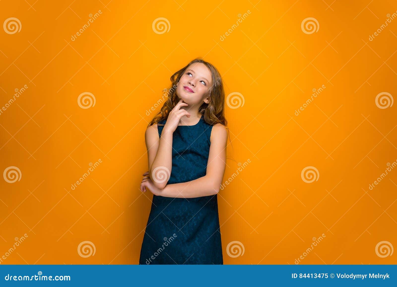 Muchacha adolescente feliz