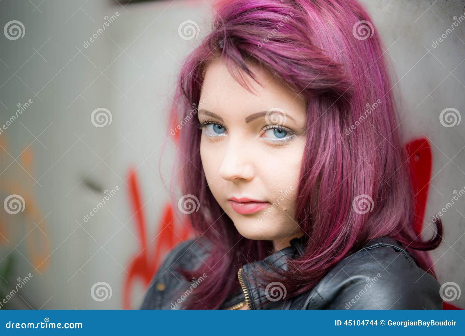 Muchacha adolescente triste
