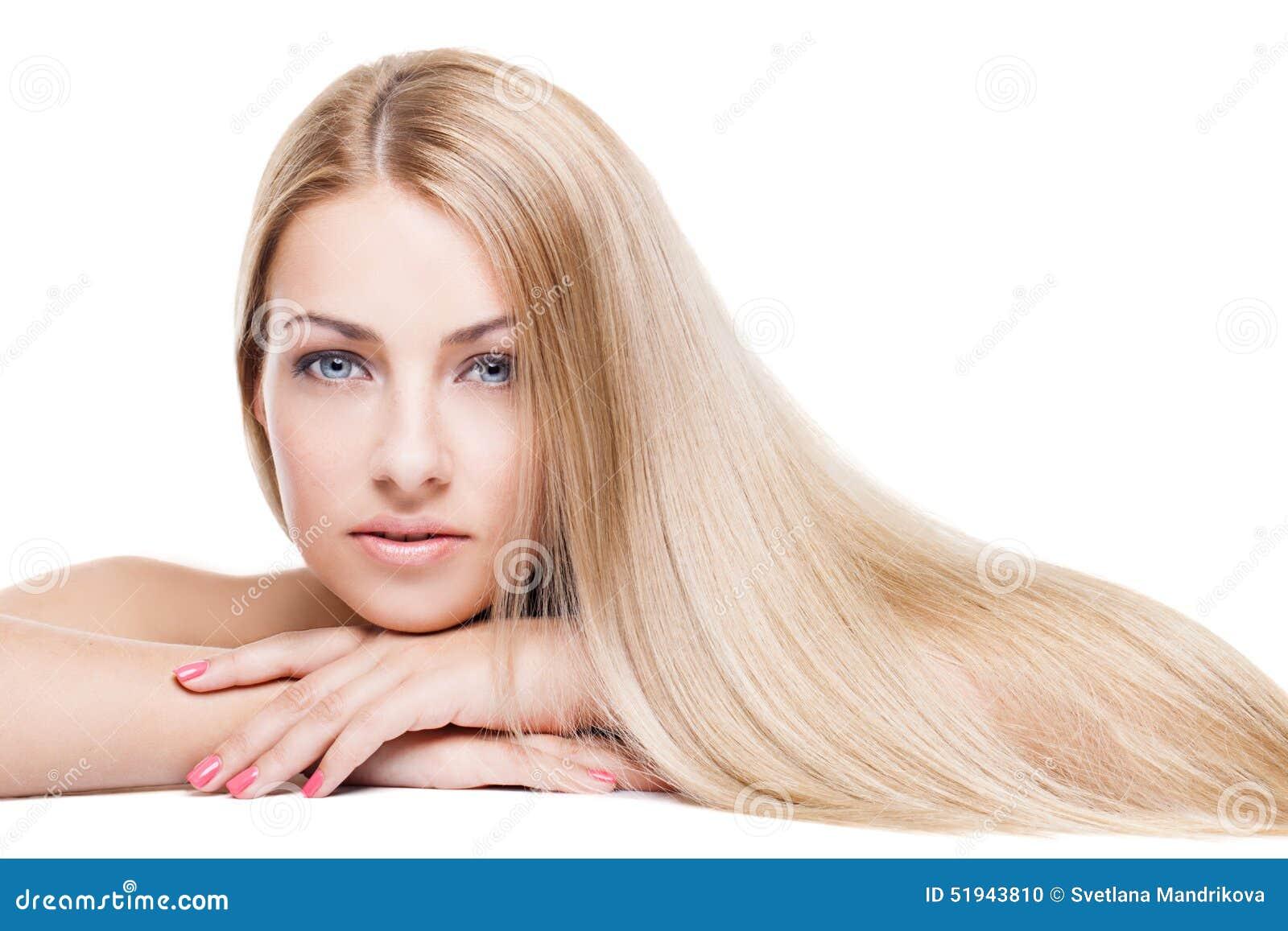 Muchacha con el pelo largo