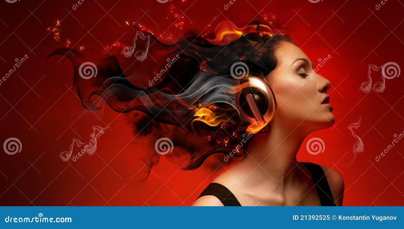 Muchacha con los auriculares