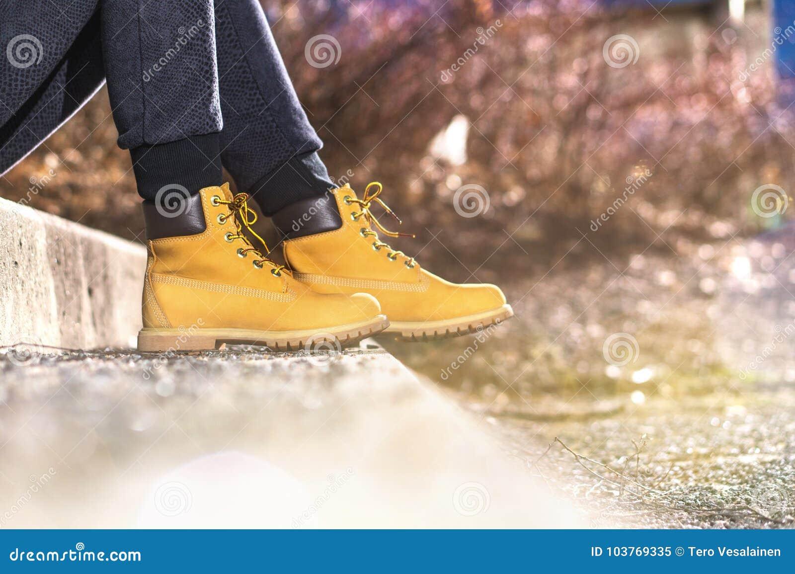 De Botas Amarillas Que Muchacha Archivo Lleva Imagen Moda 7FwpnWdxq