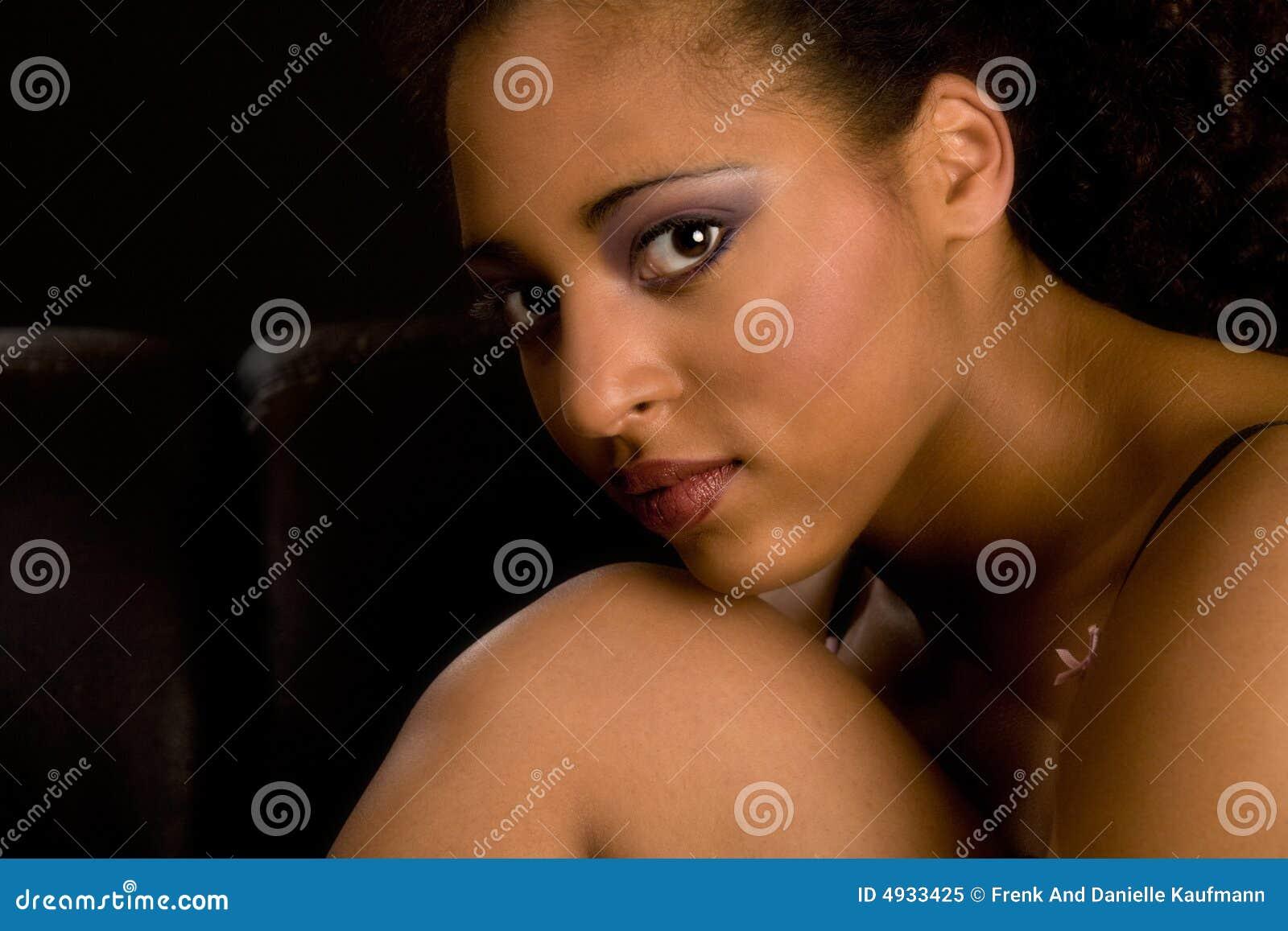 Muchacha del africano del encanto
