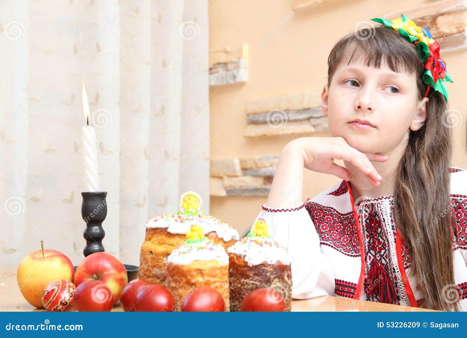 Muchacha en bordado ucraniano
