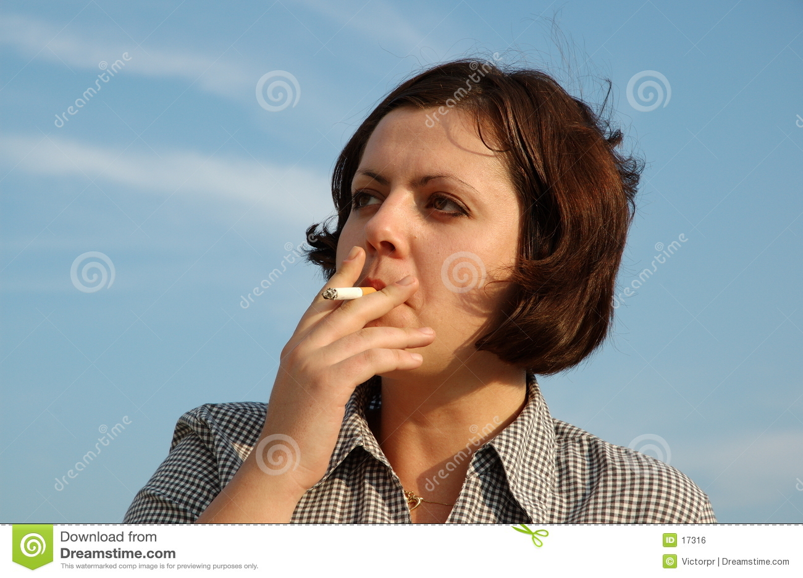 Muchacha que fuma