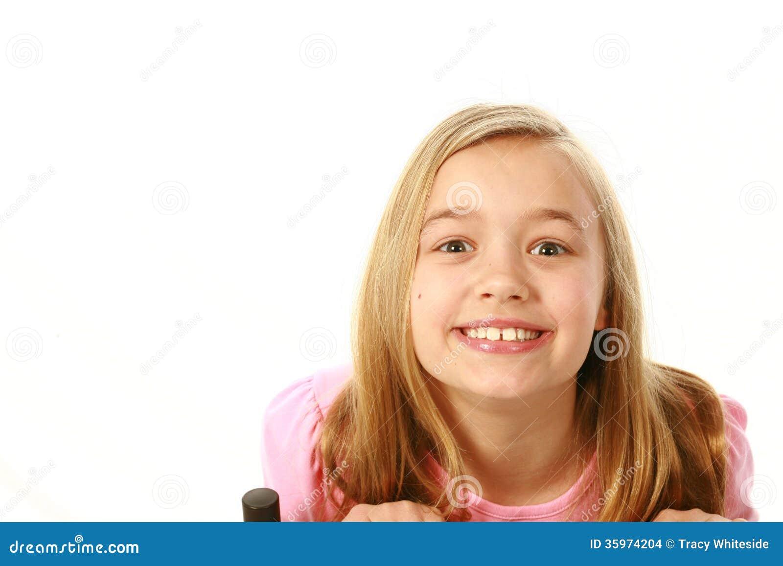 Muchacha rubia sonriente