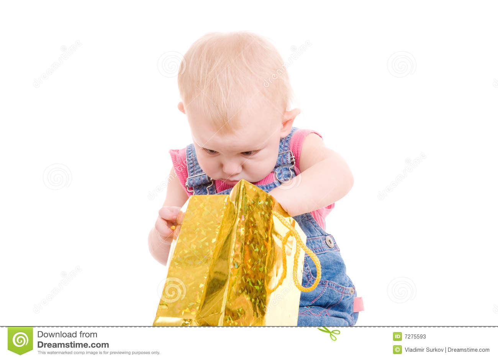 Muchacha y bolso