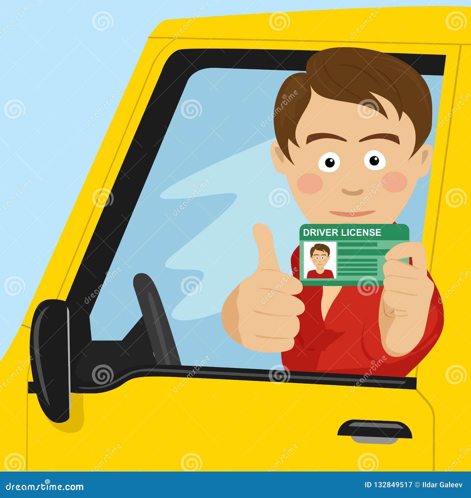 Muchacho feliz joven que muestra su nuevo carné de conducir que se sienta en su coche