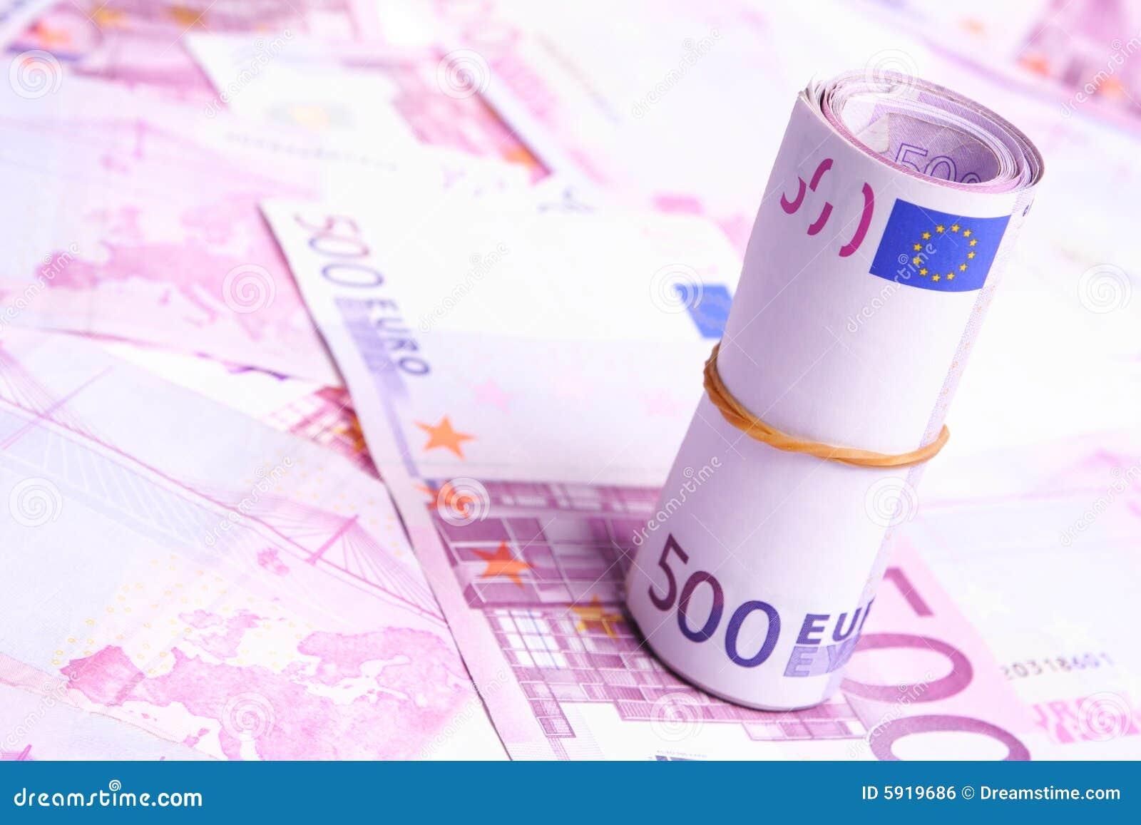 Muchas 500 cuentas de dinero euro