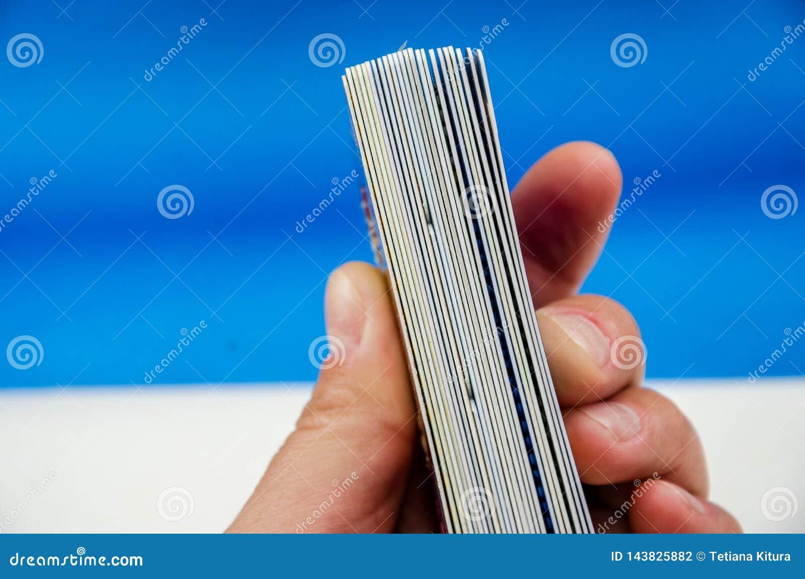 Muchas tarjetas a disposición se cierran para arriba