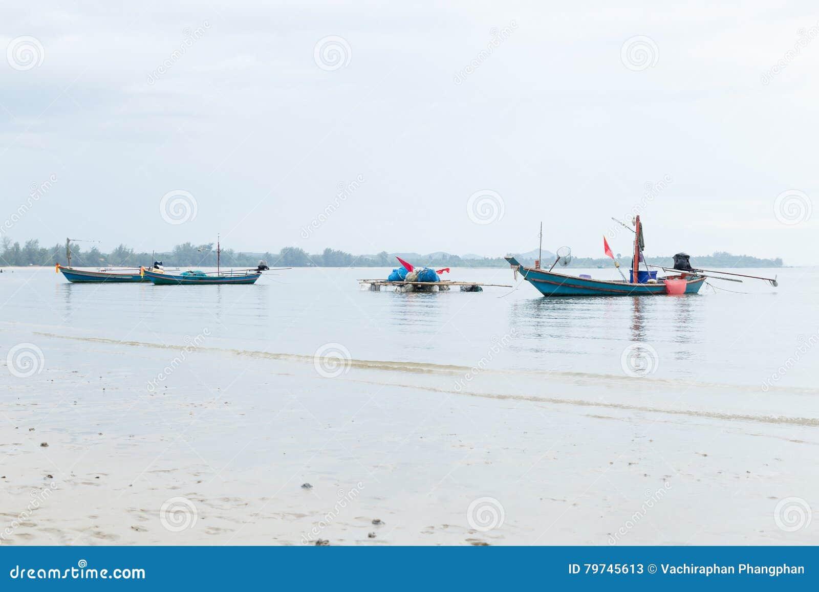 Muchos barcos de pesca