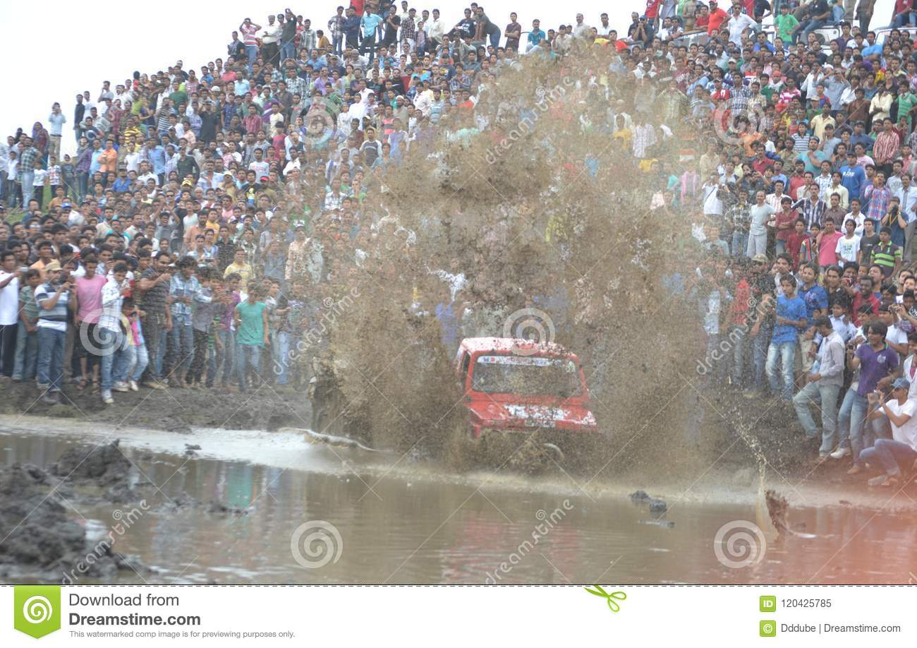Mud challange car rally in bhopal, india