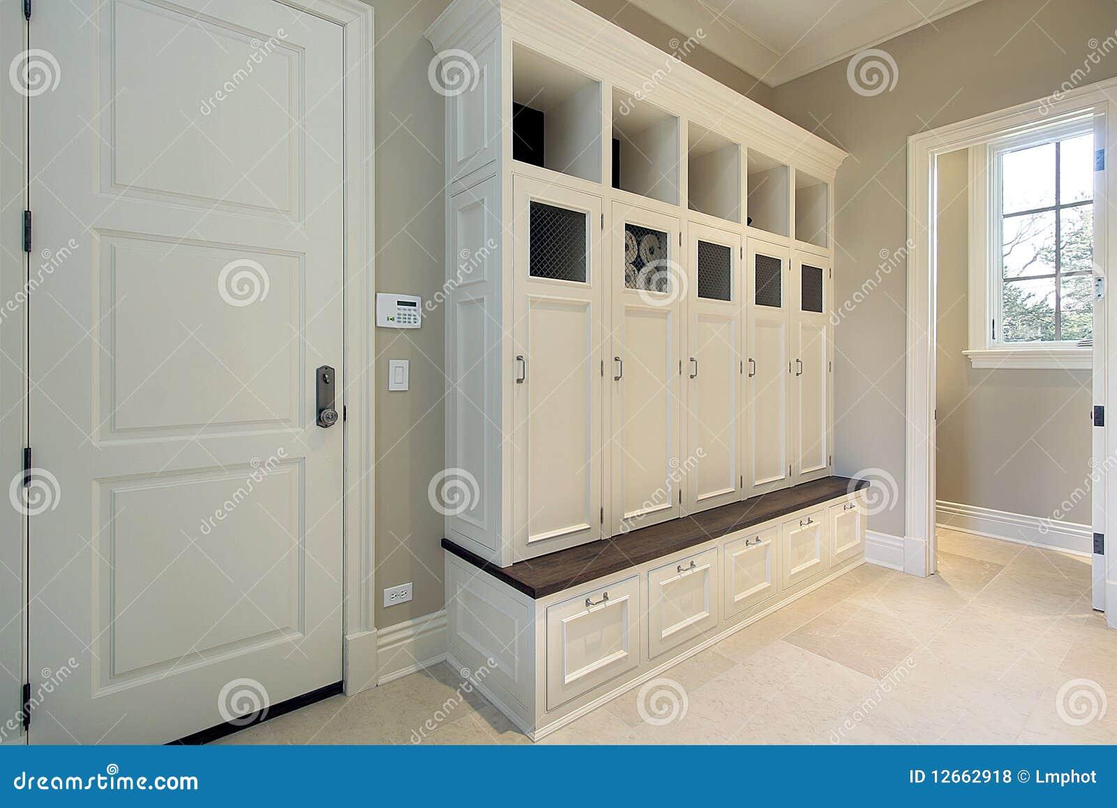 Mudroom con los armarios