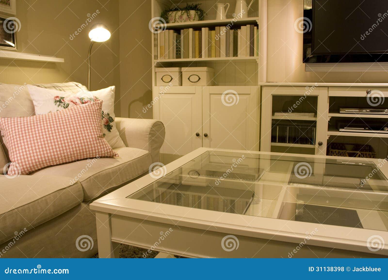 Muebles caseros de la sala de estar fotos de archivo - Muebles de salita de estar ...