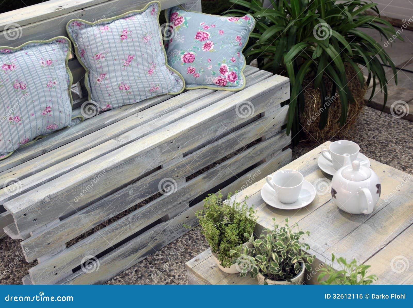 Muebles de la terraza de la madera