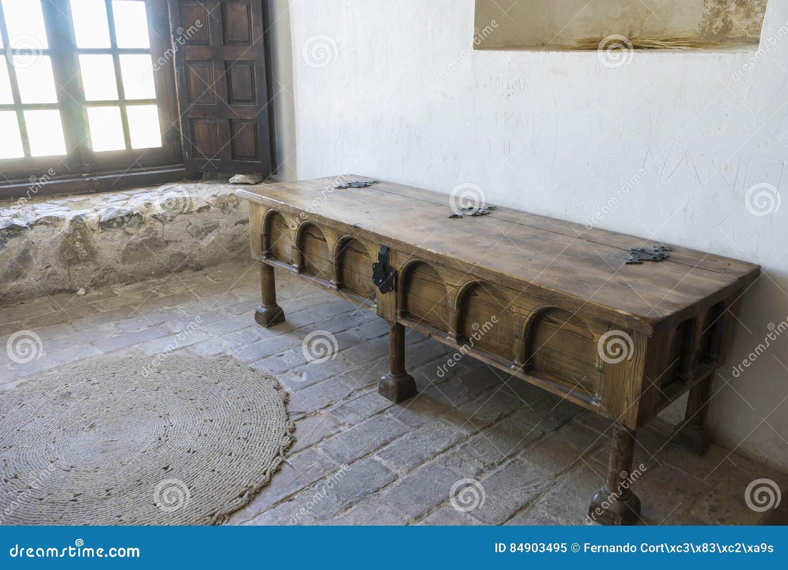 Muebles De Madera Interior Del Castillo Medieval De La Ciudad De  # Muebles Rumanos