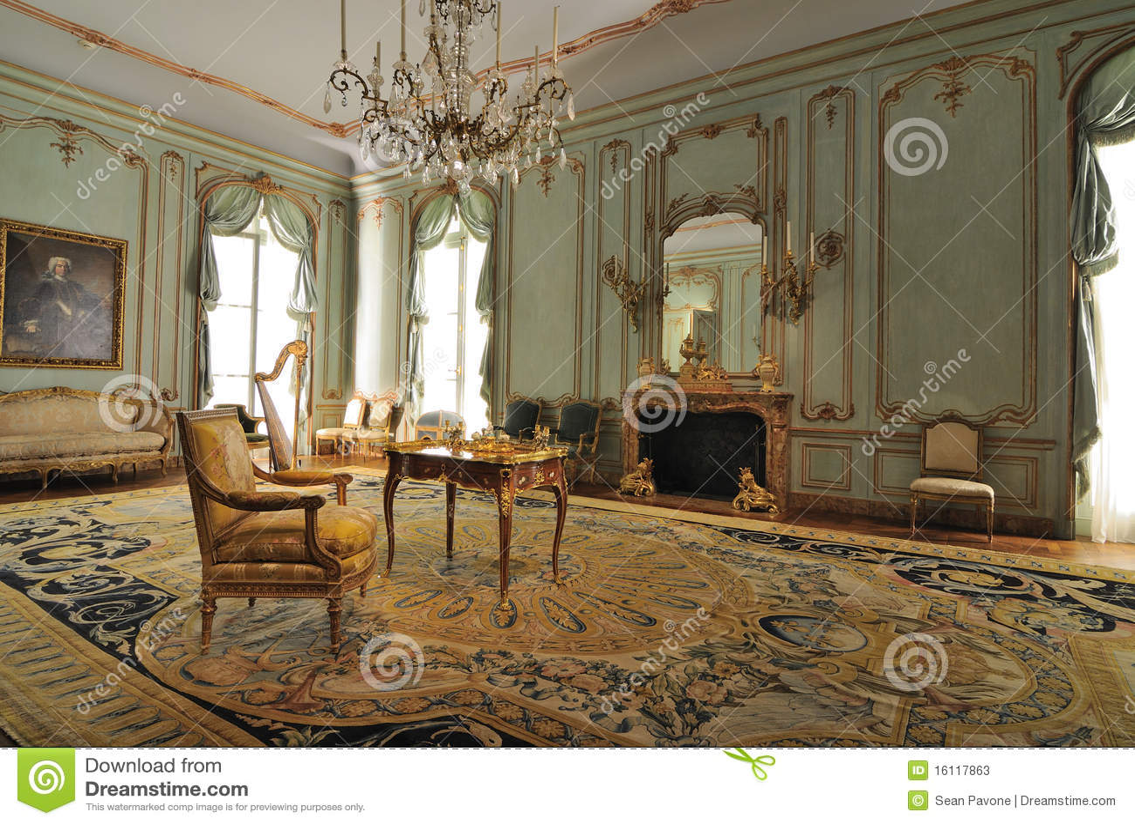 Muebles franceses fotografía editorial. Imagen de atracción - 15909942