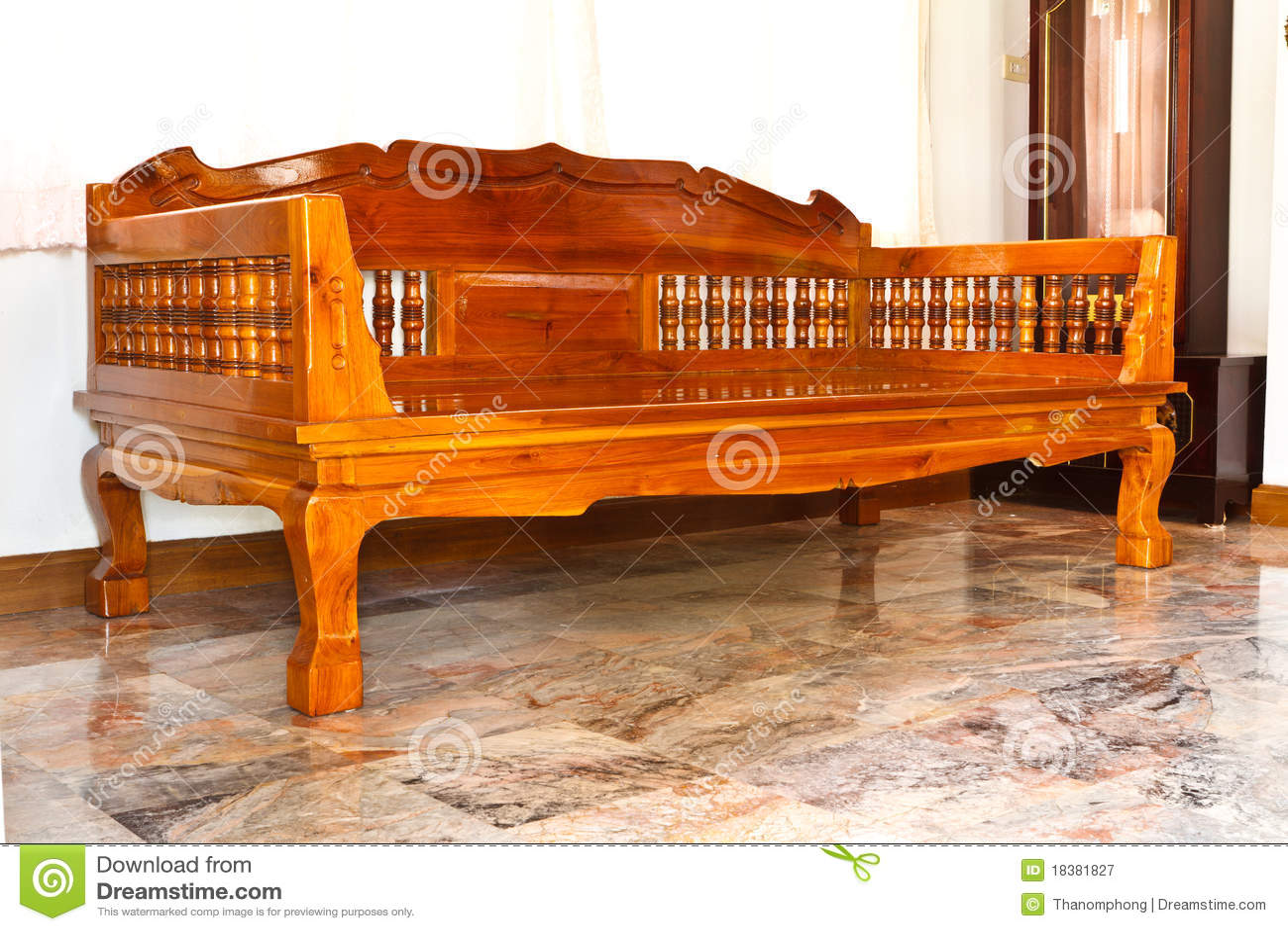 Muebles modernos de madera imagen de archivo imagen de for Diseno de muebles de madera modernos