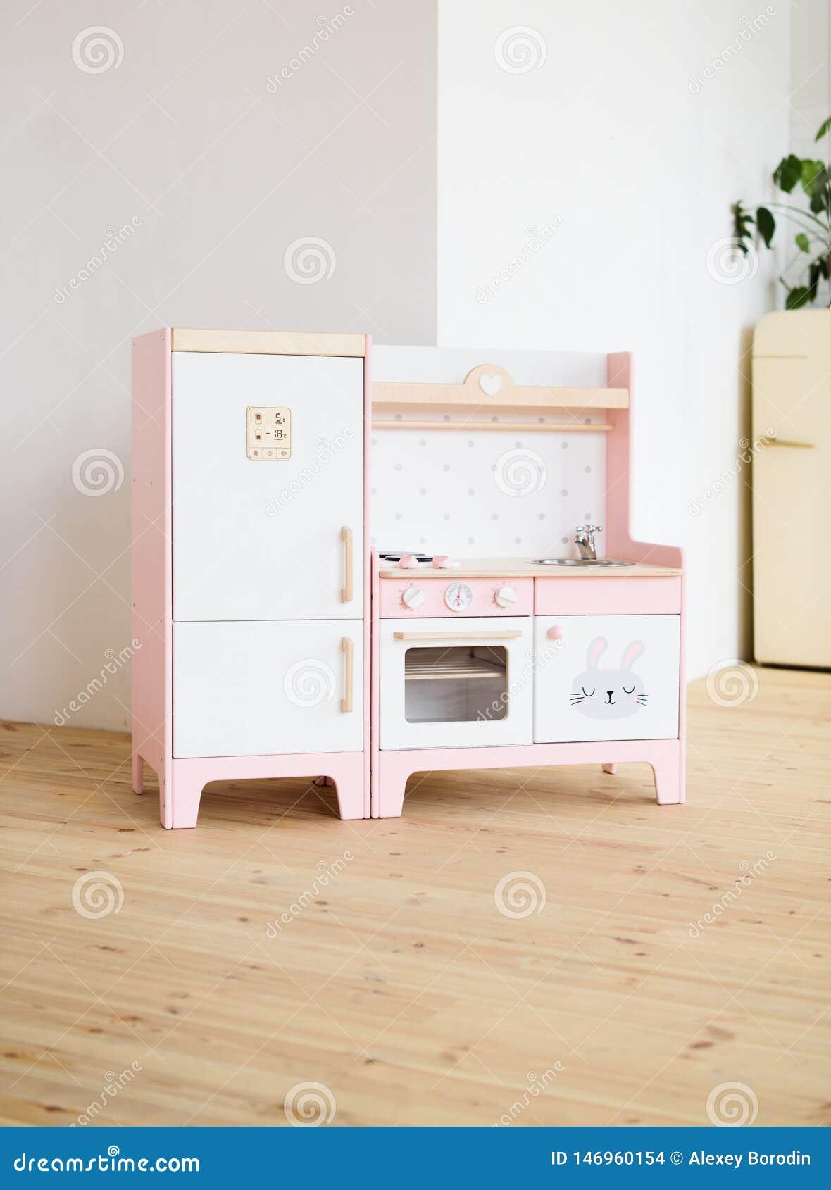 Muebles Para Los Niños Pequeña Cocina Rosada Dulce Con El ...
