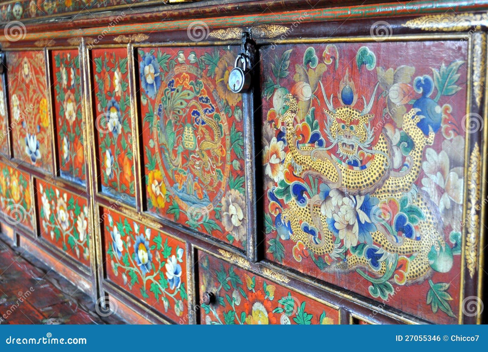 Muebles Budistas - Muebles Pintados Coloridos Del Monasterio Budista Foto De Archivo [mjhdah]https://bancomeditacion.com/wp-content/uploads/2014/06/altar_zen-1.jpg