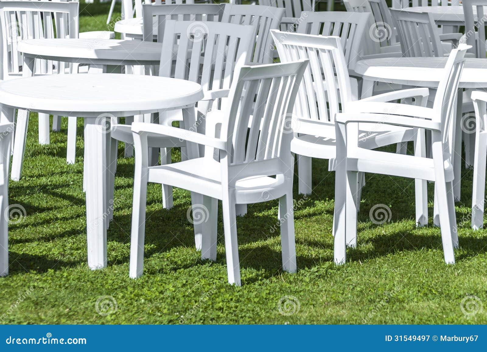 Muebles Plásticos Del Jardín Fotografía de archivo libre de
