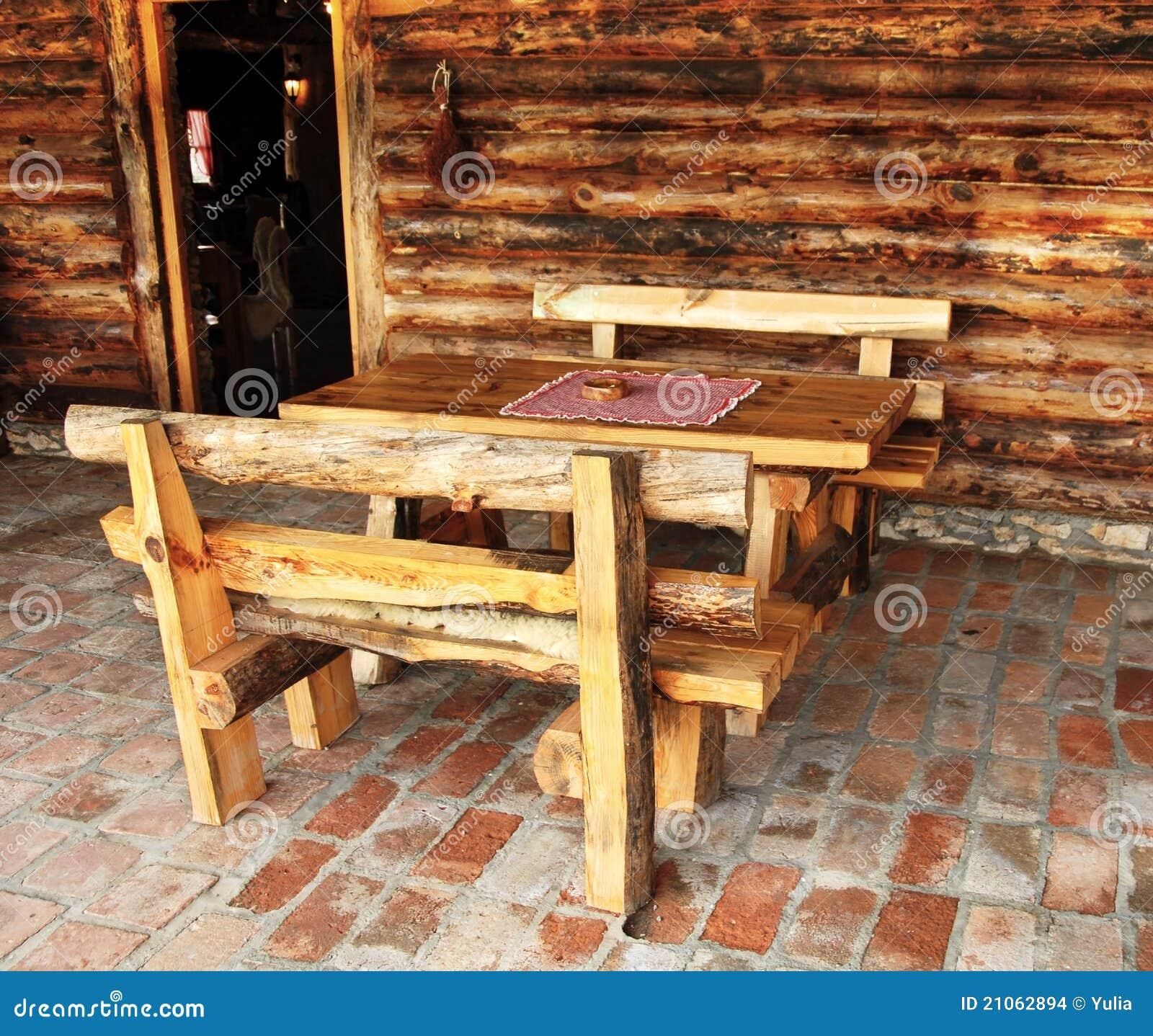 Muebles r sticos foto de archivo imagen de casa puerta for Muebles rusticos