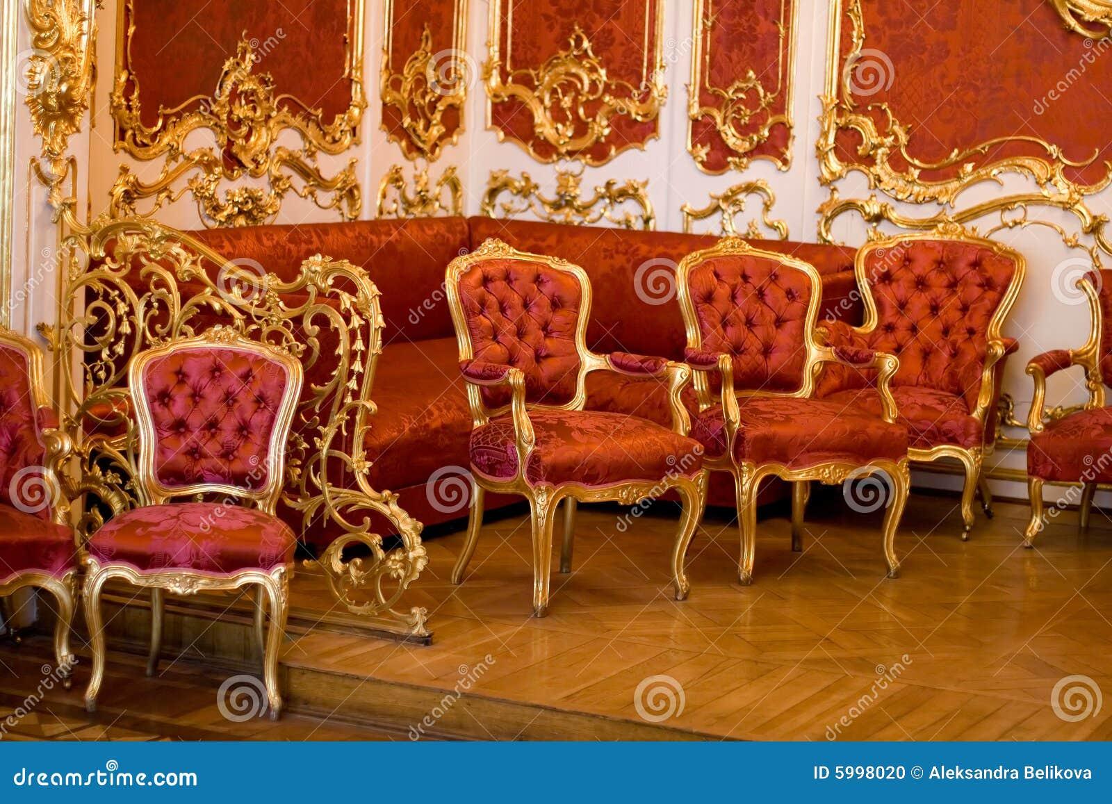 Muebles Rojos Viejos Foto De Archivo Imagen De Marr N 5998020 # Muebles Viejos Gratis