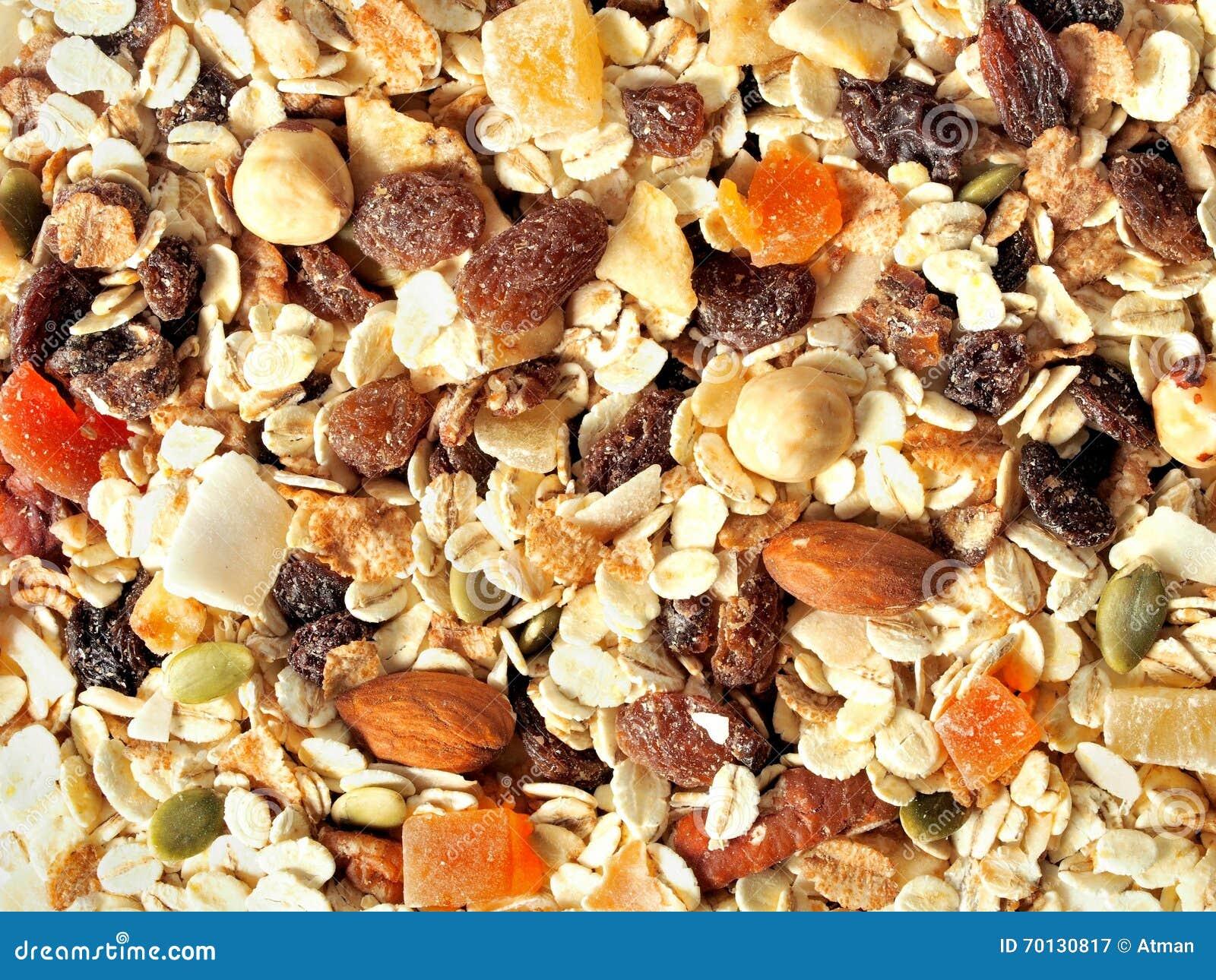 Muesli met vruchten en noten