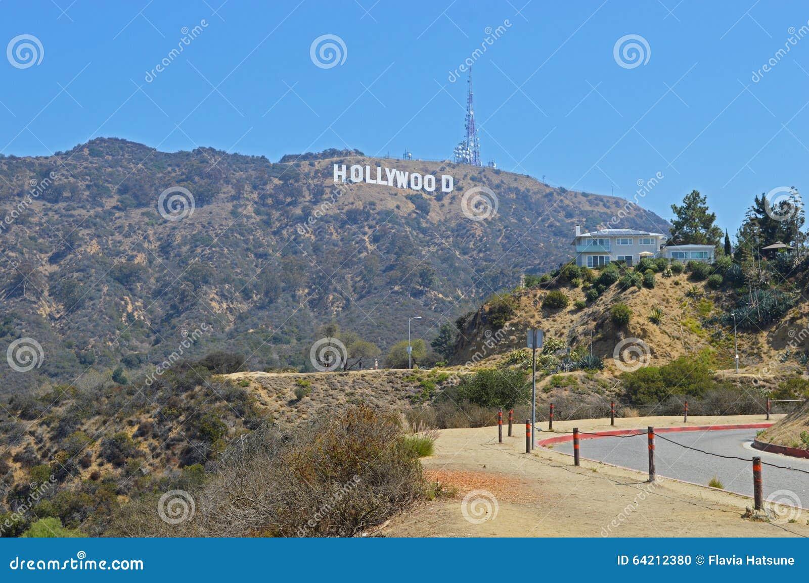 Muestra de Hollywood en un cielo azul