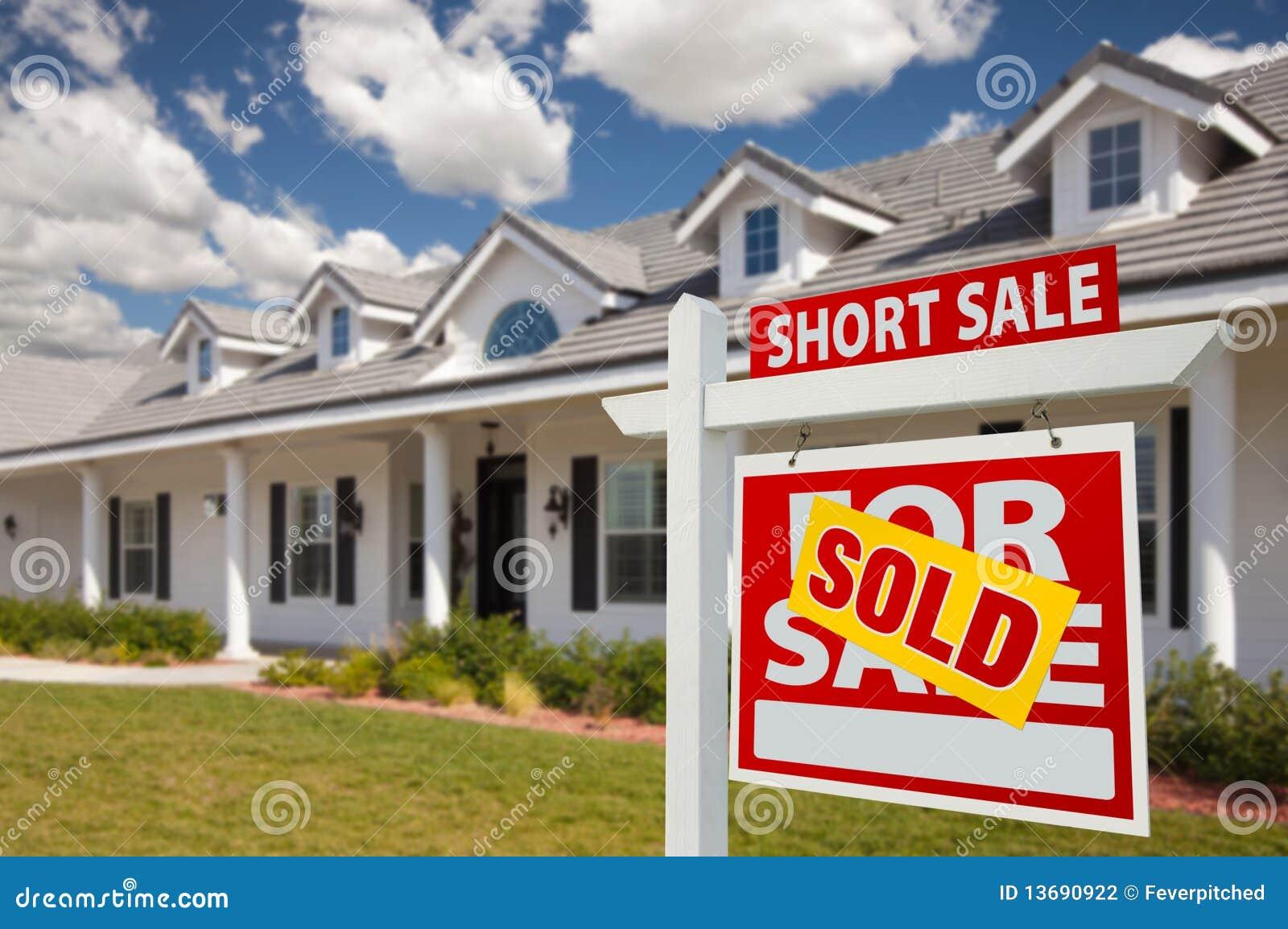 Muestra vendida y casa de las propiedades inmobiliarias de la venta corta - correctas