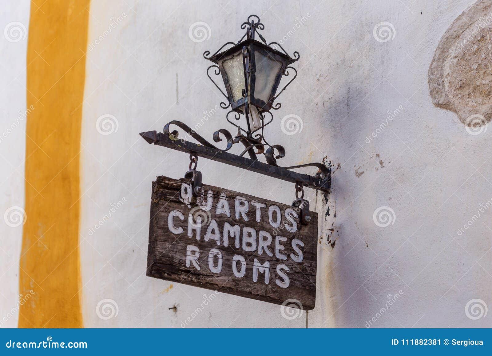 Muestras Del Vintage, Letreros, Cuartos Del Alquiler A Los Turistas ...