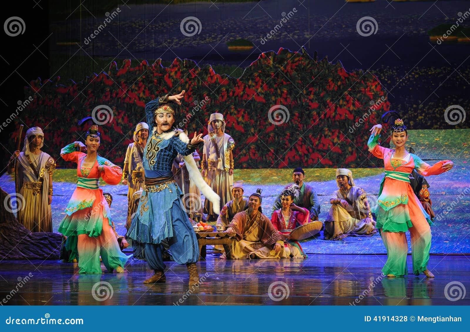 Muestre la luna del ballet del baile-Hui sobre Helan