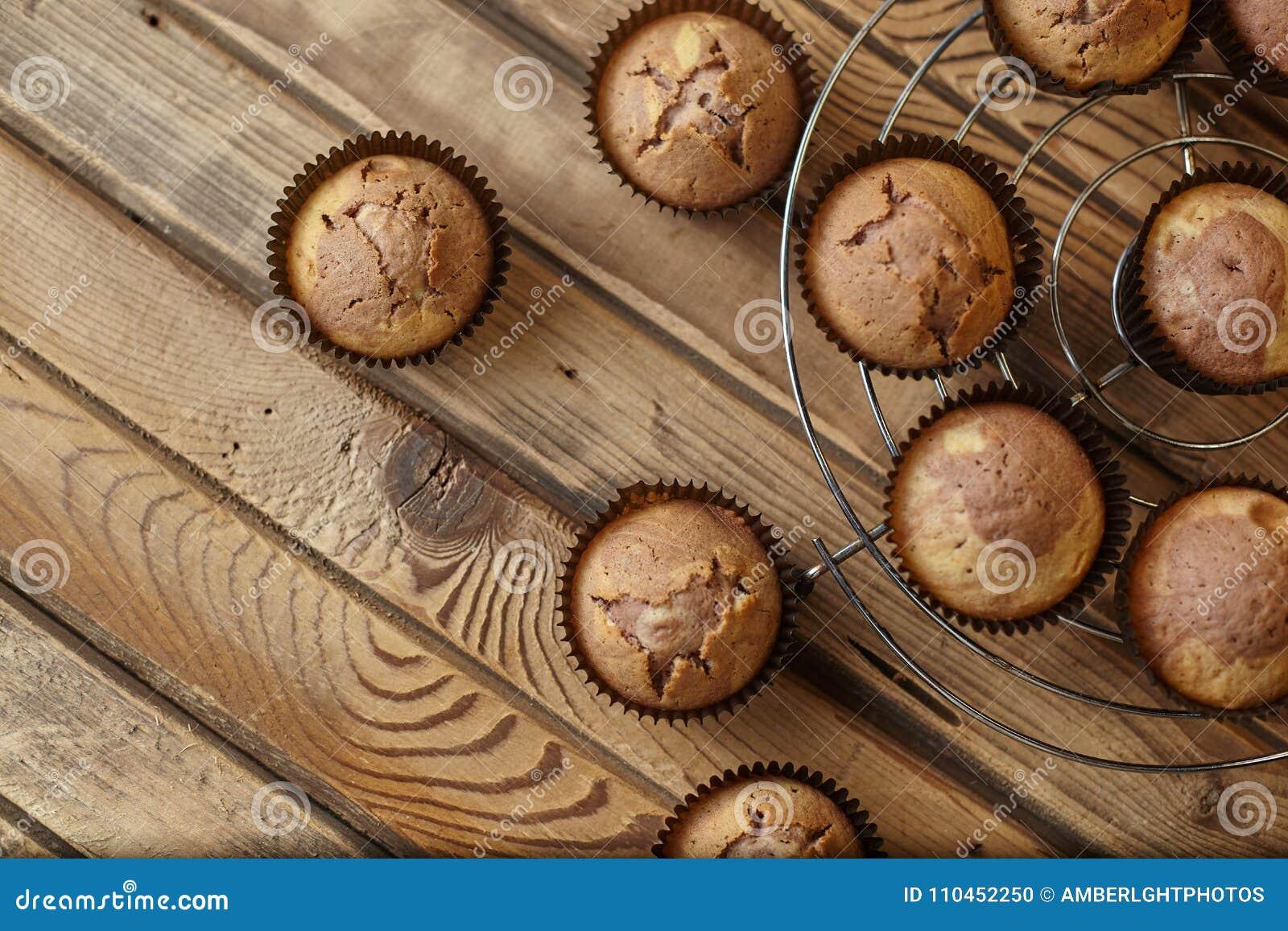Muffin i form för brunt papper