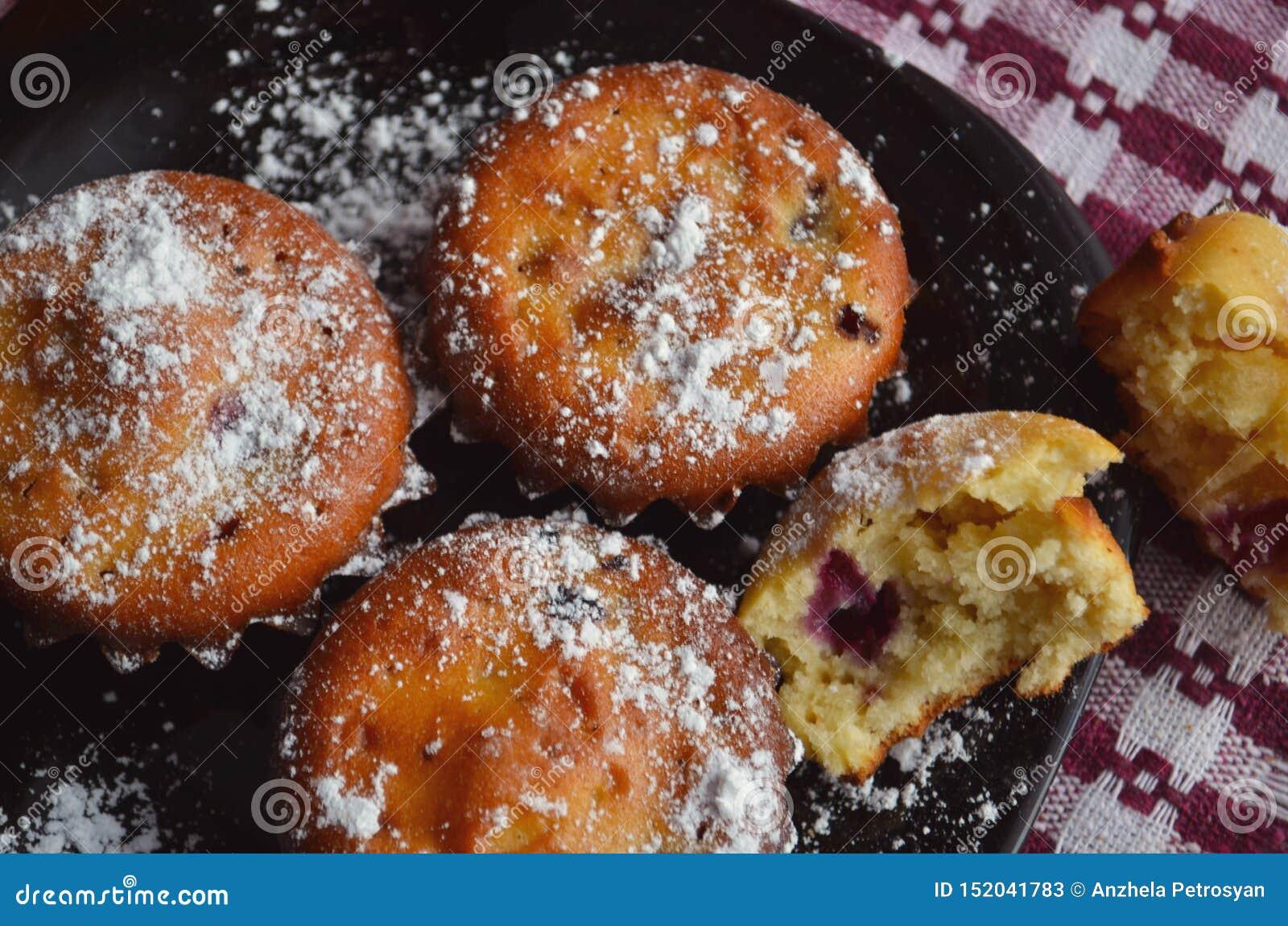 Muffin med blandade bär