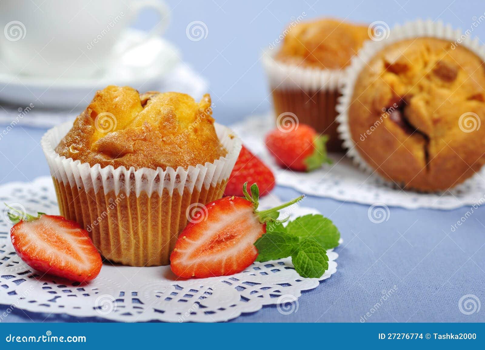 Muffiner med jordgubbar