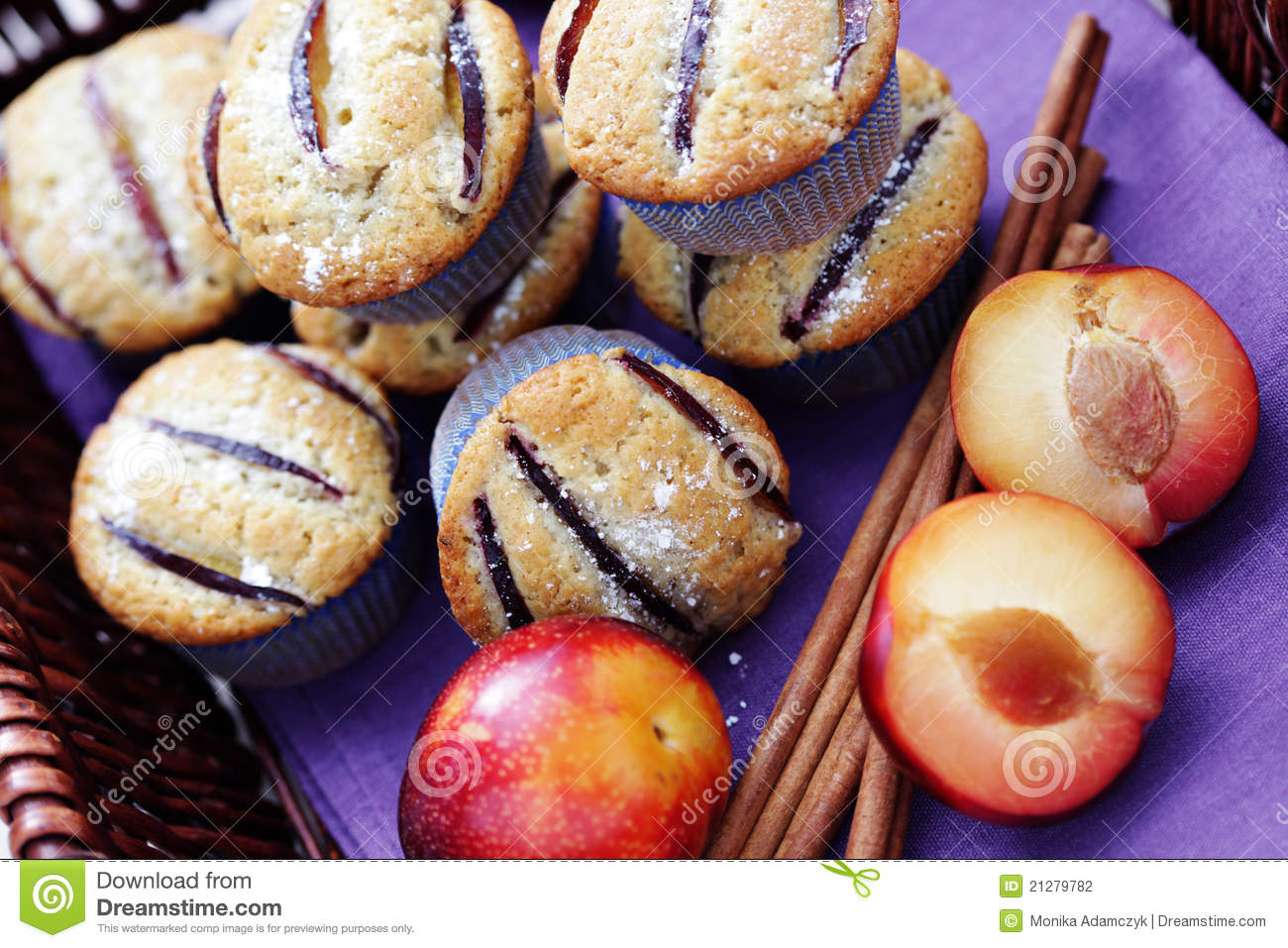 Muffins With Plums Stock Photography - Image: 21279782