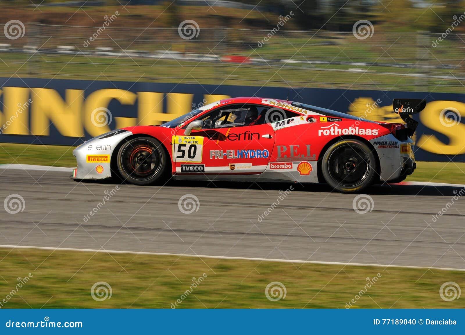 MUGELLO WŁOCHY, LISTOPAD, -, 2015: Ferrari 458 wyzwanie EVO