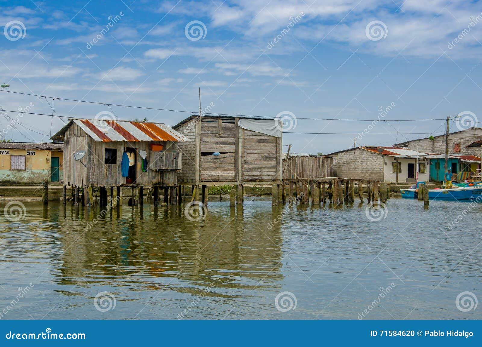 Muisne Equateur 16 Mars 2016 Ville De Muisne Comme Vu De L  # Maison Bois Bord De L Eau