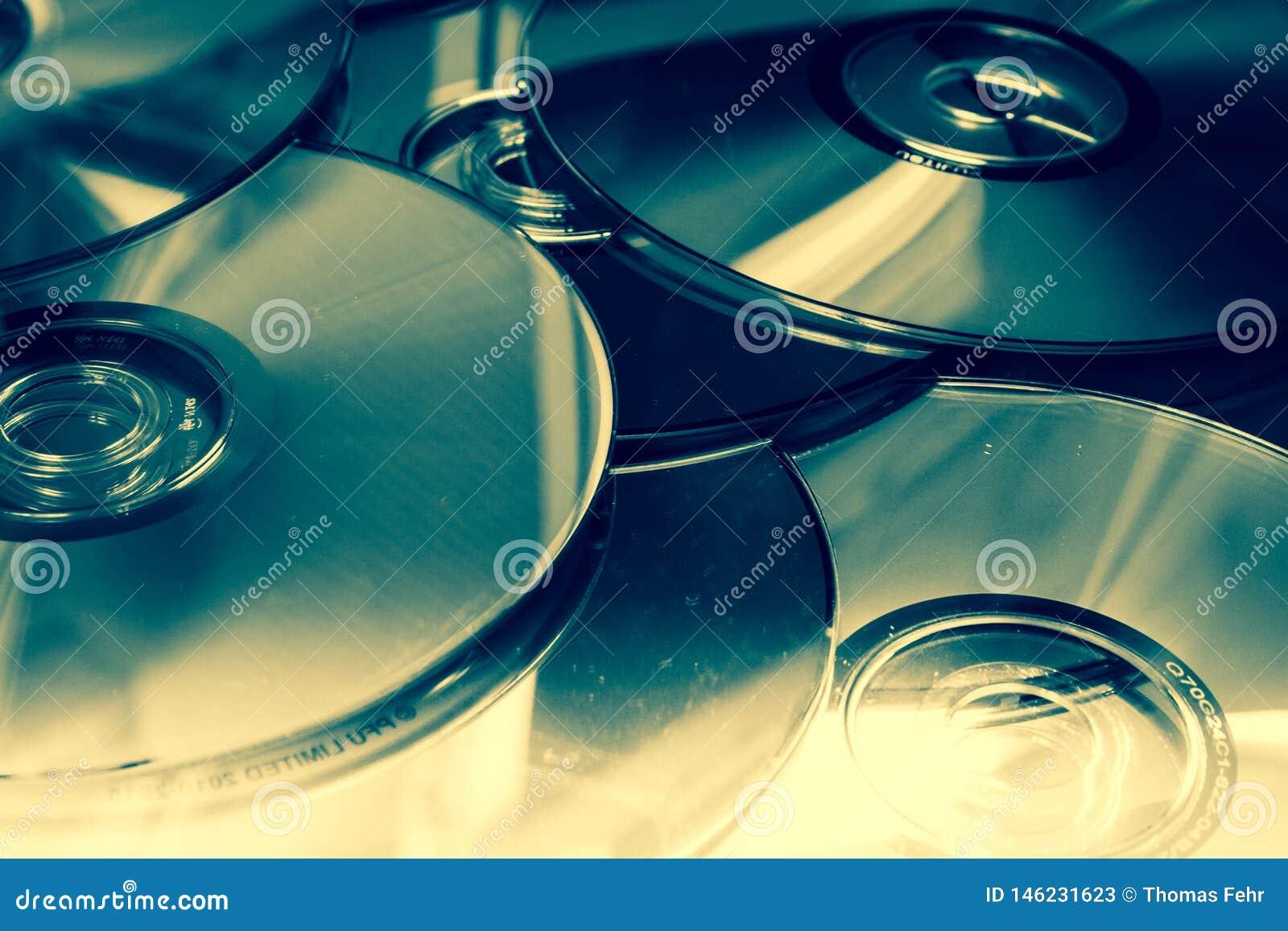 Muito DVDs com cores diferentes