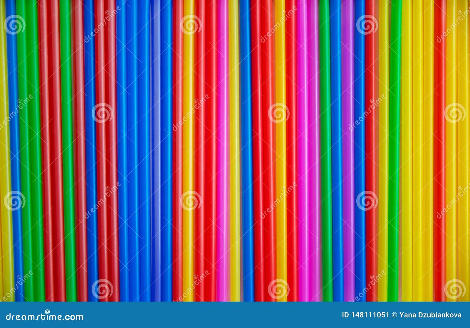 Muitos tubos coloridos para uma c?pia do cocktail Material pl?stico, tubula??o pl?stica para o l?quido bebendo Fundo