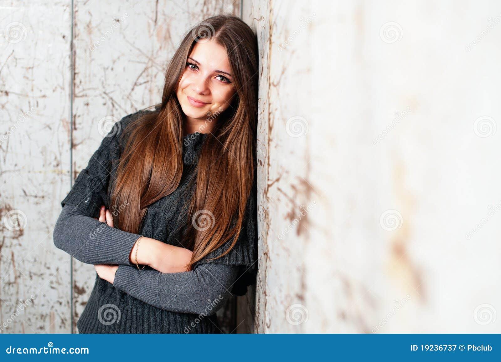 Mujer atractiva hermosa