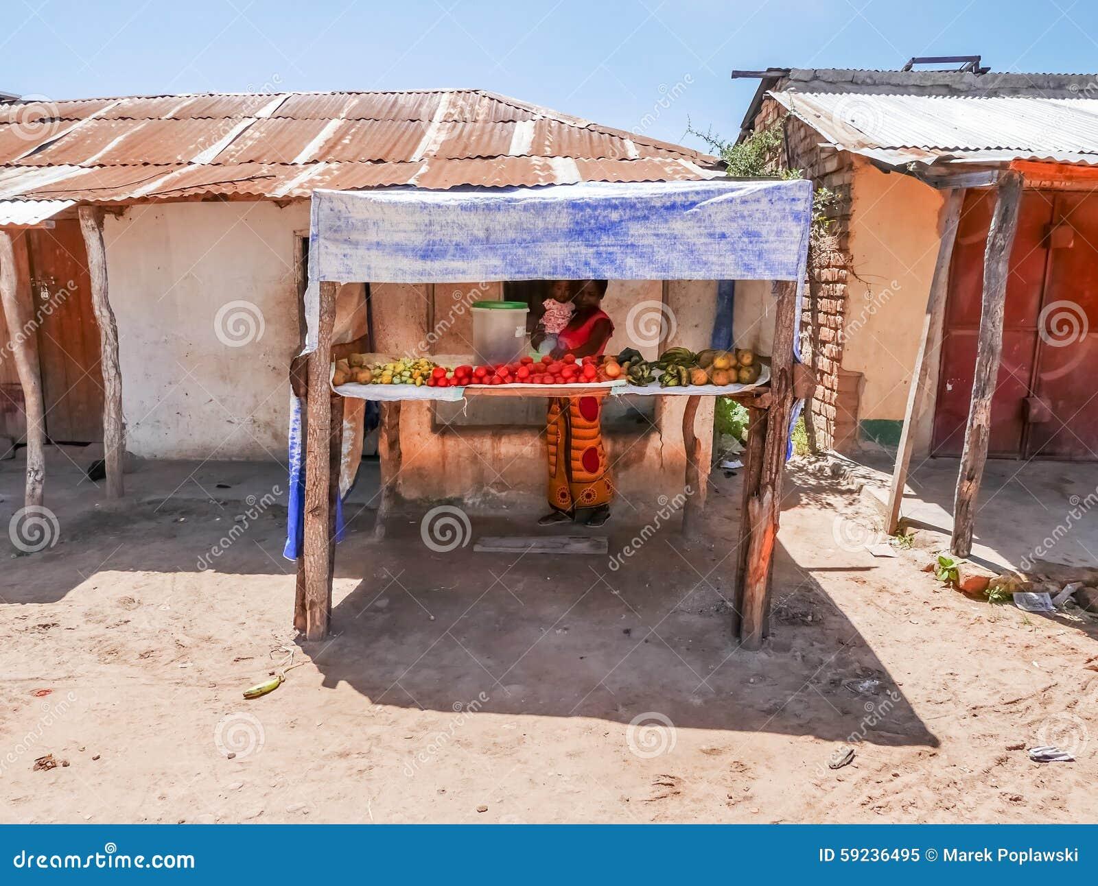 Download Mujer Con El Bebé En Tanzania Imagen editorial - Imagen de áfrica, joven: 59236495