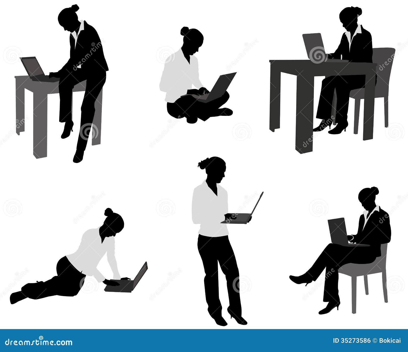 Mujer con el ordenador portátil