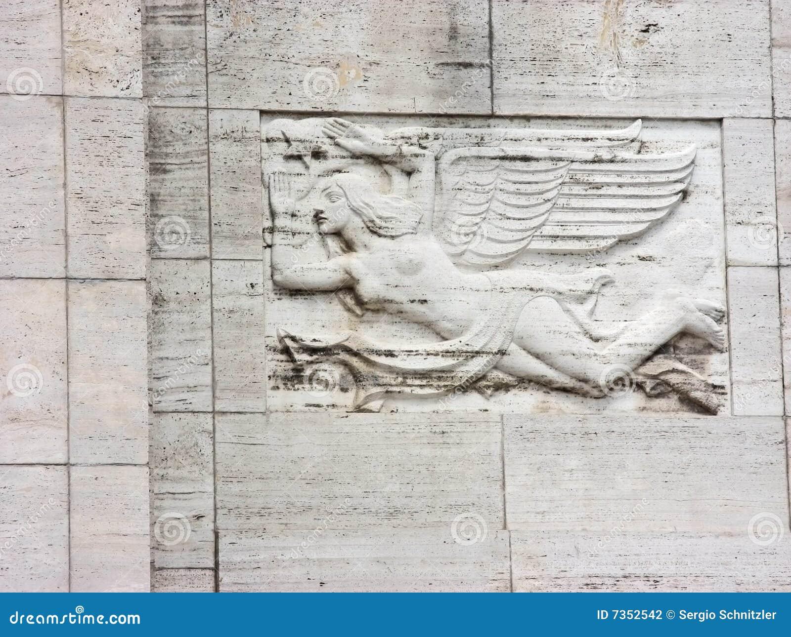 Mujer con las alas